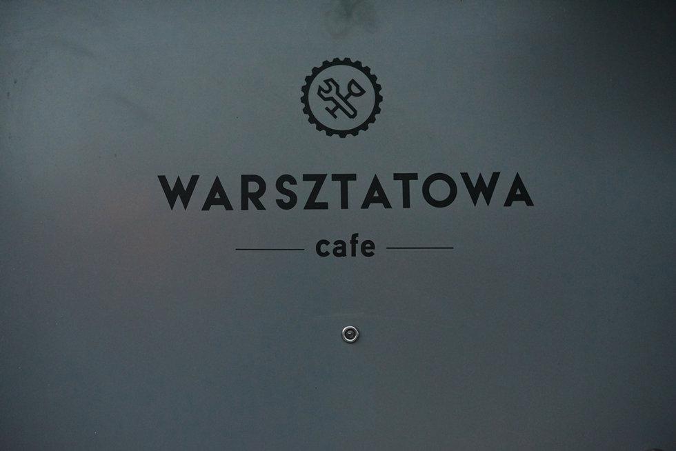 002 Warsztatowa Cafe Tczew Czarne Kwiaty tile