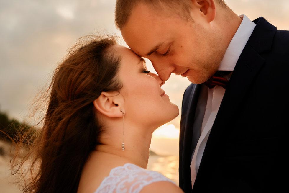 plener ślubny nad morzem Karwia